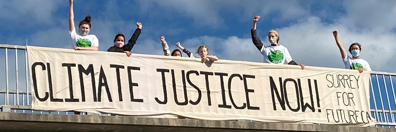We DEMAND a LIVABLE FUTURE! #fightclimateinjustice #globaldayofclimateaction #schoolstrike4climate #climatecrisis… https://t.co/BQ3HsqsGsL