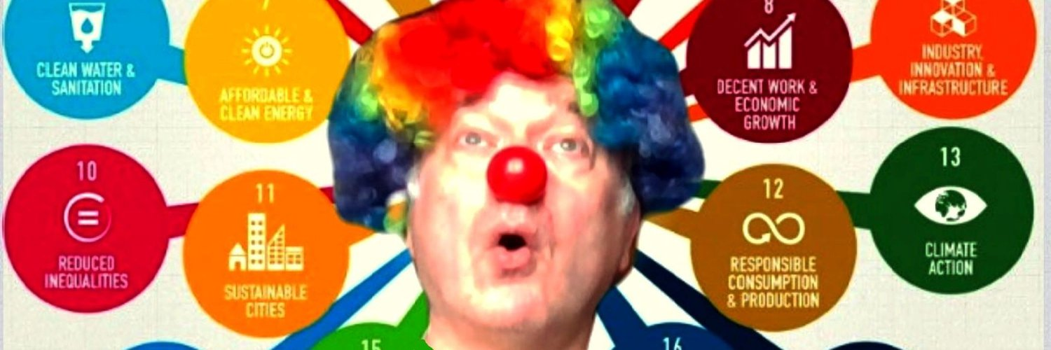 Tweets of a European citizen who dreamt to turn into a clown when he got 50. Now turning into Dédé le clown des #ODD!