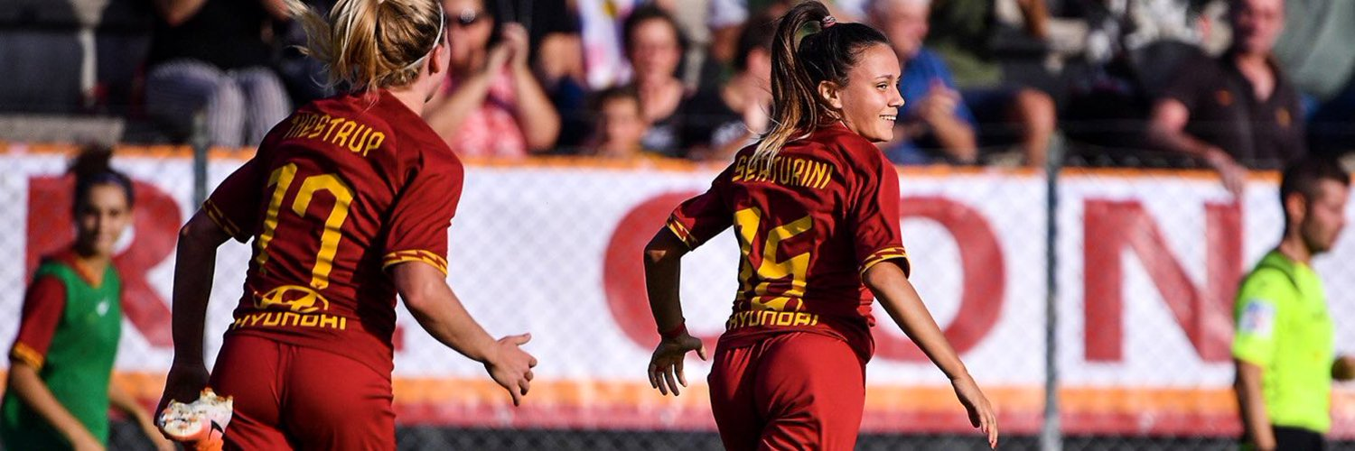 • Football player for @officialasroma 💛♥️ and @azzurrefigc 🇮🇹 • @nike athlete 🏆 #TestaCuoreGambe #AS15 info and collabs: management.as15.ria@gmail.com