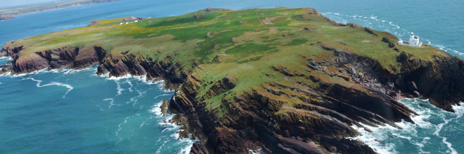 News from the original Dream Island, Britain's first Bird Observatory and the densest Manx Shearwater colony on Earth. Skokholm is owned and managed by @WTSWW