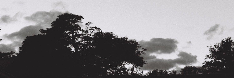 暴走Rのベーシスト。(@voh_soh_r) 祖父母世代のストーリーを歌にしているバンドです。1stシングル「詐欺師」↓ / Bassist from Voh Soh R. We sing about true stories told by our grand parents.📍Tokyo