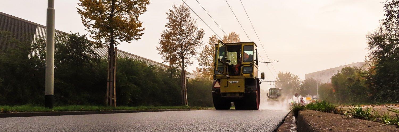 Bijzondere toeschouwers langs het werk gehad vandaag! Het nieuwe asfalt is goedgekeurd door de Konikspaarden en de… https://t.co/Y5xsGfjQHJ