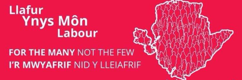 The u27 wing of the Ynys Môn Labour Party / Asgell dan 27 Plaid Llafur Ynys Môn🌹 Dwyieithog 🏴 IG - llafurifancmon 📸