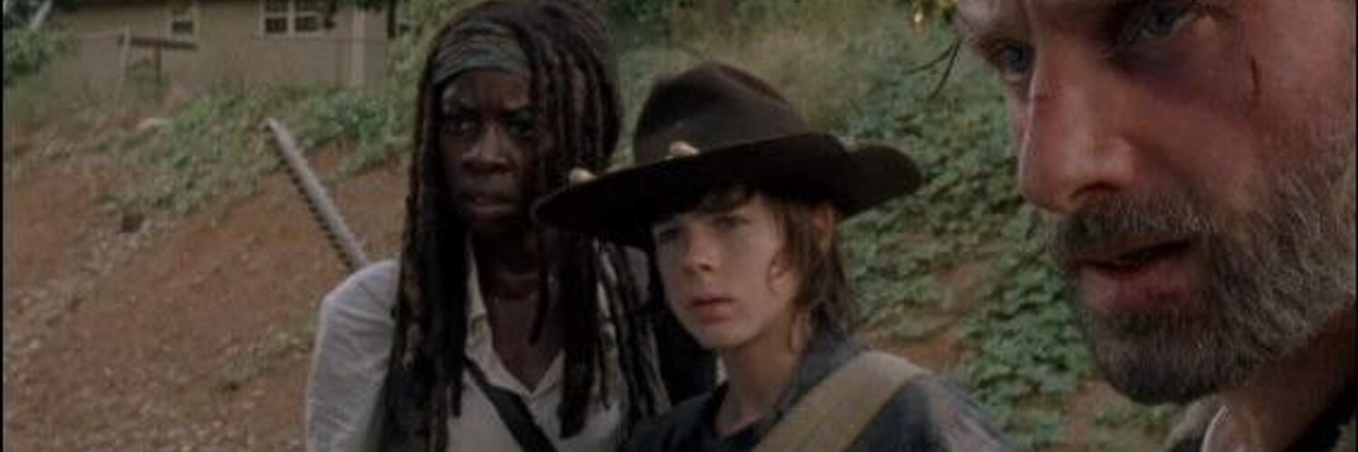 """Carl Grimes on Twitter: """"Game of Thrones + The Walking Dead + Breaking Bad = Pure Madness #thewalkingdead http://t.co/xo8PgIar1O"""""""