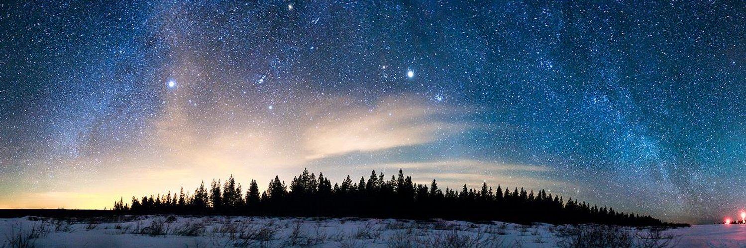Русалка в небе видны планеты картинки выполнен