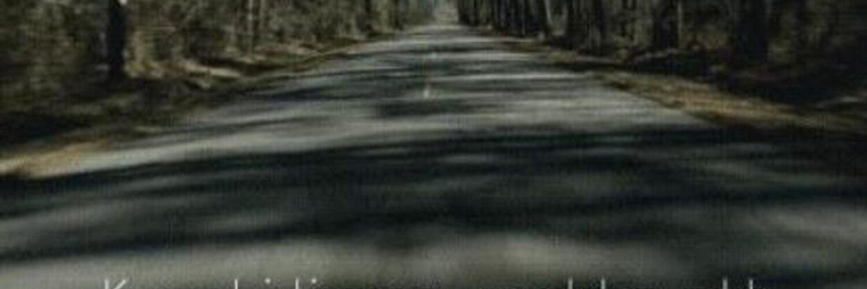 Гиф человек идет по дороге