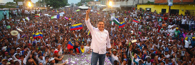 Javier Bertucci oficializó su candidatura a gobernador de Carabobo