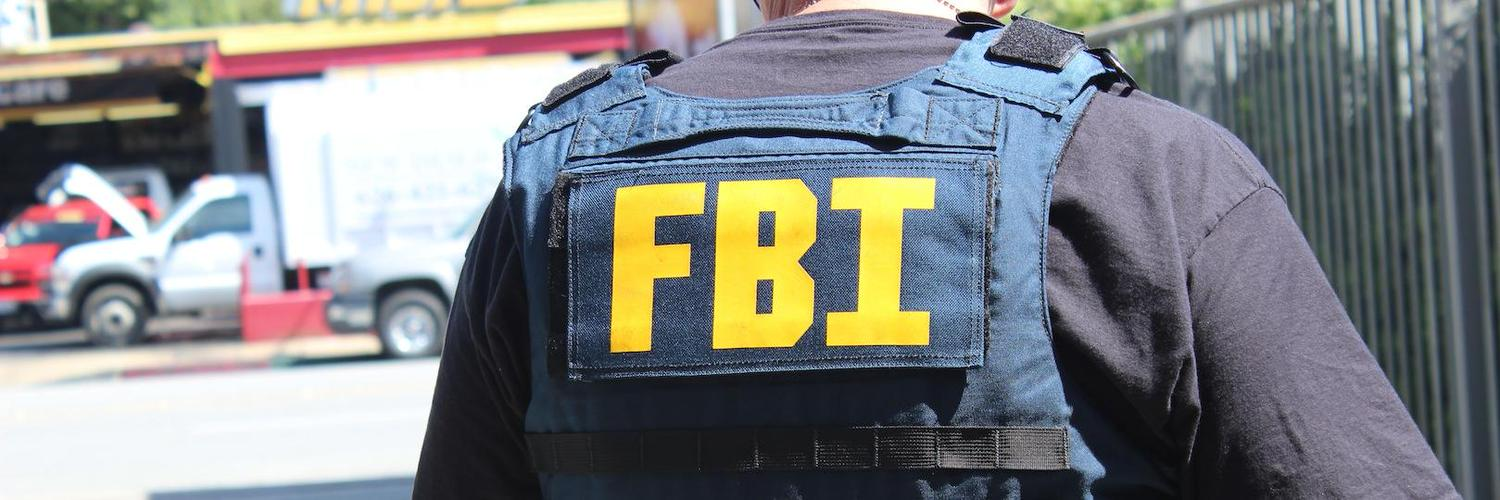 fbi agent Most fbi agents have at least a bachelor's degree in a criminology-related field agents are typically required to participate in and pass rigorous physical training fbi agents typically work in a law.