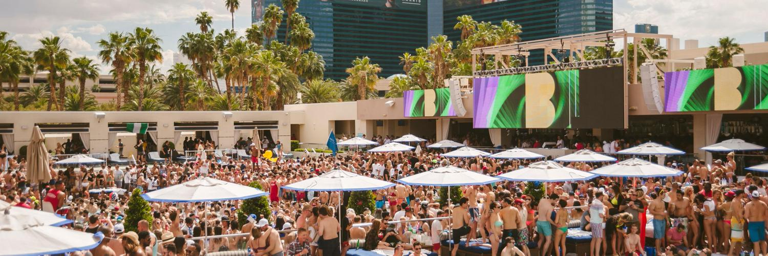 Official Twitter page of Wet Republic Ultra Pool, located at the @MGMGrand!