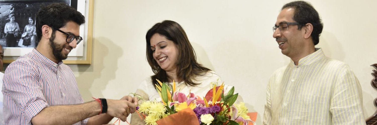The support received from the people of Maharashtra for CM Uddhav Balasaheb Thackeray ji shows noise on news channels doesnt matter, true leaders focus only on good governance~ @priyankac19 in her blog for NDTV. Do read. twitter.com/ndtv/status/13…
