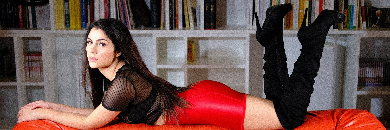 Valentina Nappi (@ValeNappi) on Twitter banner 2013-11-17 10:45:51
