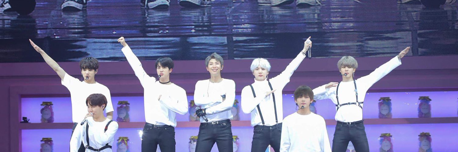🚨DAILY ARMY CHALLENGE🚨  Let's boost our THOS votes!🌟  📌300 retweets 📌40 replies while tagging @BTS_twt + #THOSFansBTS14A  The challenge ends when the THOS tag changes again, GO ARMY 💕