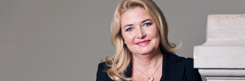 Dr. Kristin Brinker