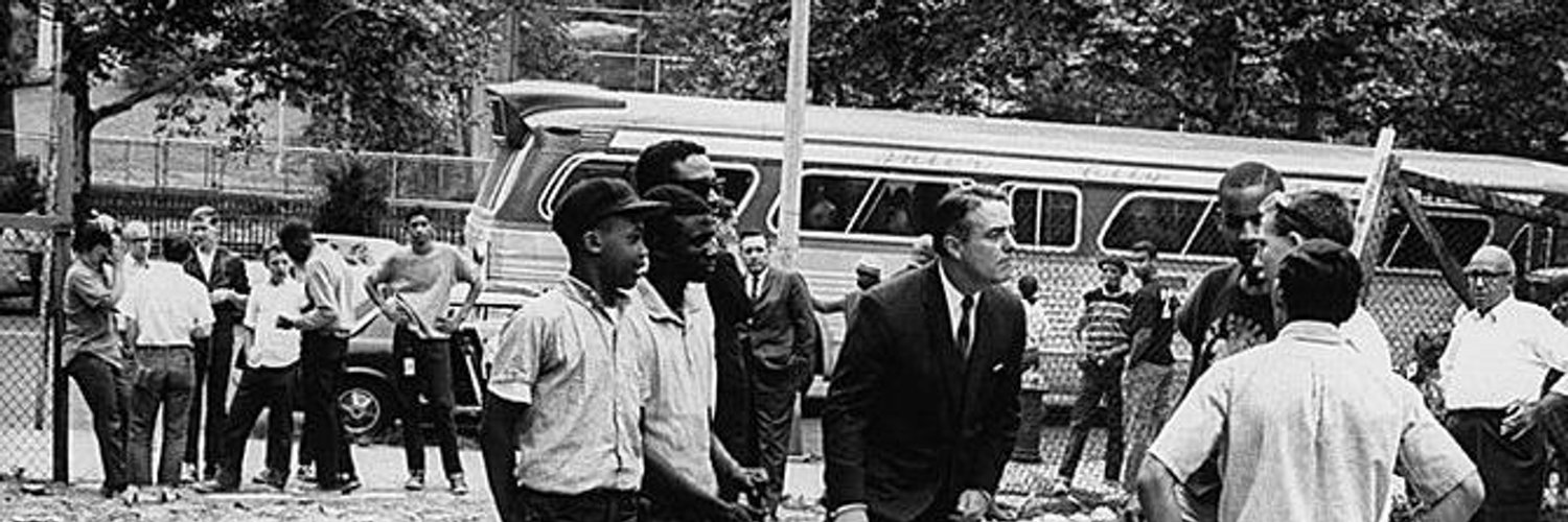 We study & share stories about Sargent Shriver, 1st Director of @PeaceCorps, architect of the War on Poverty, former US Ambassador to France. #breakyourmirrors