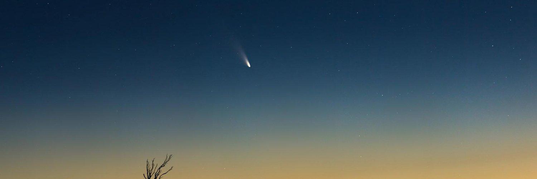 "Focus on Twitter: ""Guardate che succede al Polo nord di Saturno > http://t.co/RKKPebR4BK http://t.co/mkRfAMM0lT"""