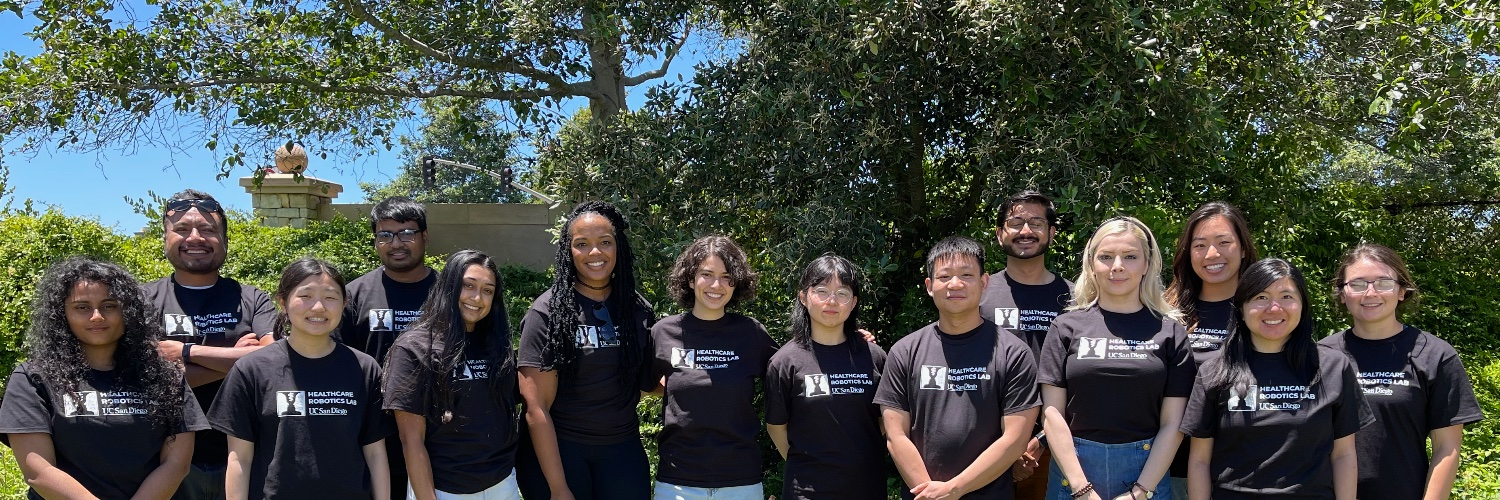 Lab photo, Jun 2020. Approx. 14 students, wearing t-shirts with the lab logo.