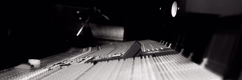UNLOVE. A PLAYLIST FOR YOU. open.spotify.com/playlist/33w7h…