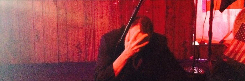 Stand-up Comedian | Surname eschewer | Funnier on stage/facebook