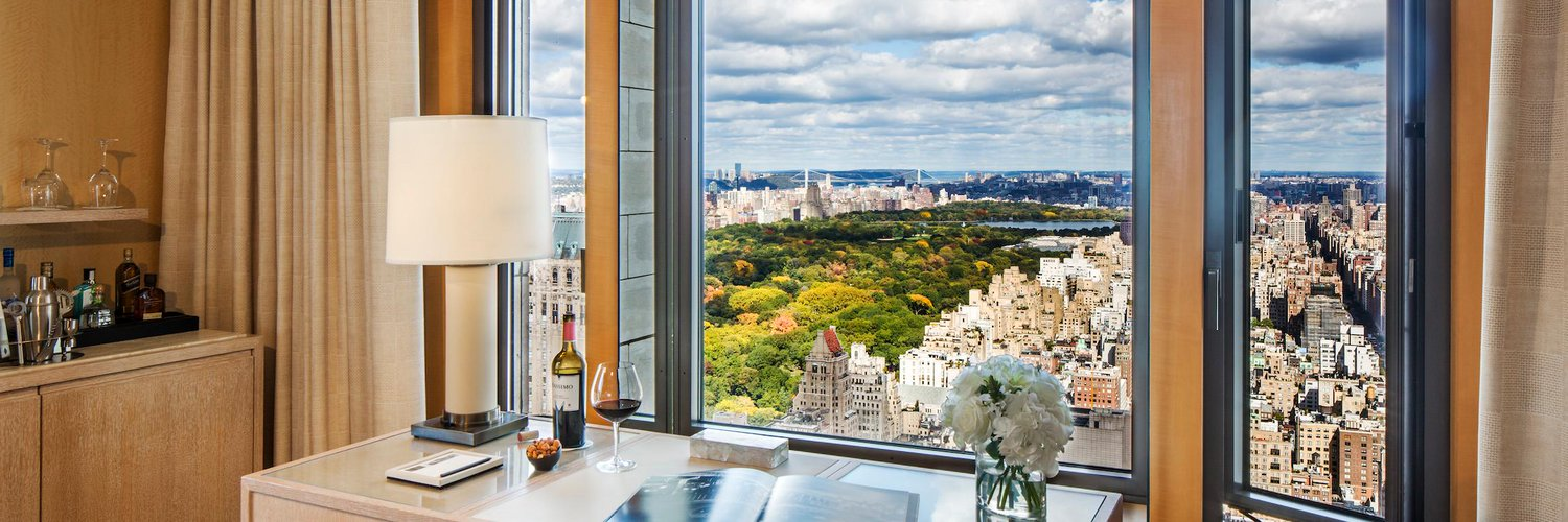 We are Four Seasons Hotel New York. Follow us for up-to-the-Tweet Hotel news and updates. #fsnewyork