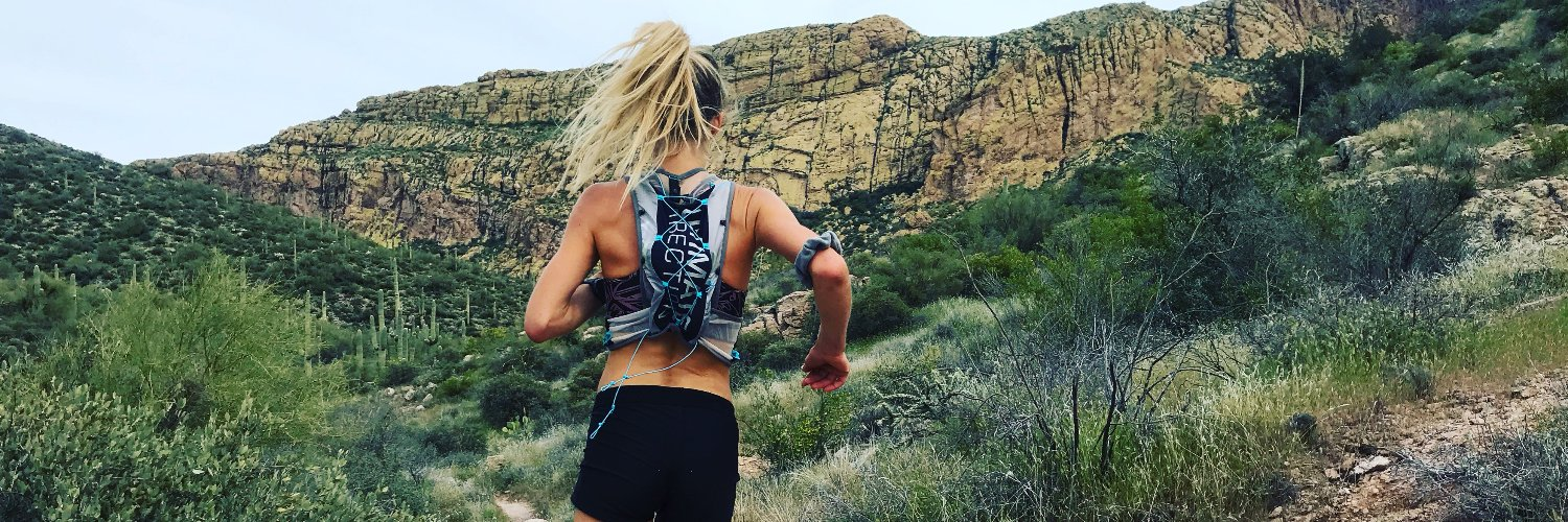 Our new Hydro Tight is the comfiest way to run with water and gear in cooler weather with built-in storage for wate… twitter.com/i/web/status/1…