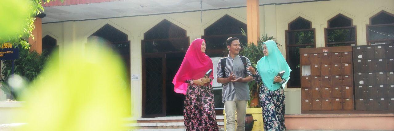 Universitas Muhammadiyah Surabaya's official Twitter account