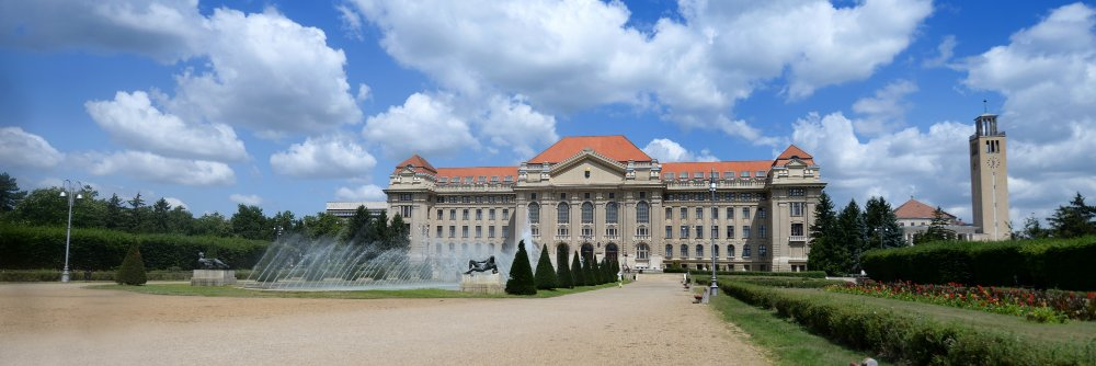 Debreceni Egyetem's official Twitter account
