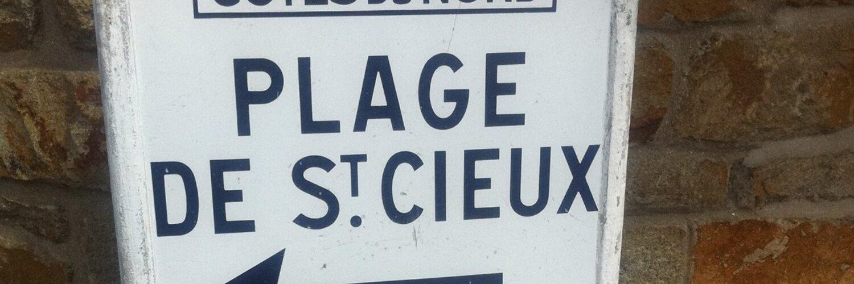 Chez les #Ménard, c'est ceinture & bretelles : elle, se fait élire avec le soutien du #FN, lui, (élu idem) dézingue… twitter.com/i/web/status/9…