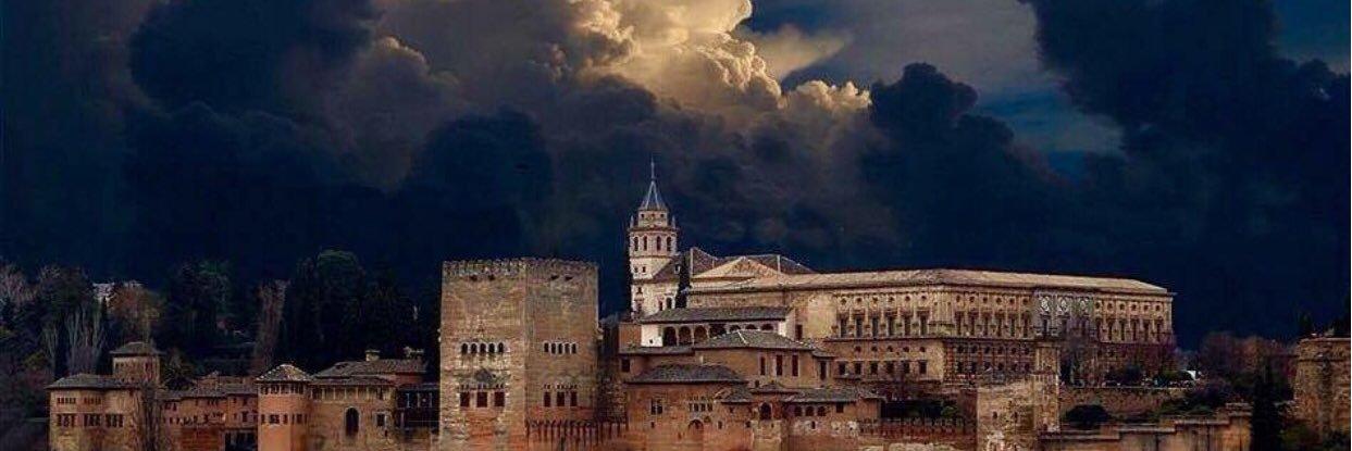 Defender juntos los intereses de Granada permite superar cualquier desafío. El vuelo Granada-Madrid de las 7 h es v… twitter.com/i/web/status/1…