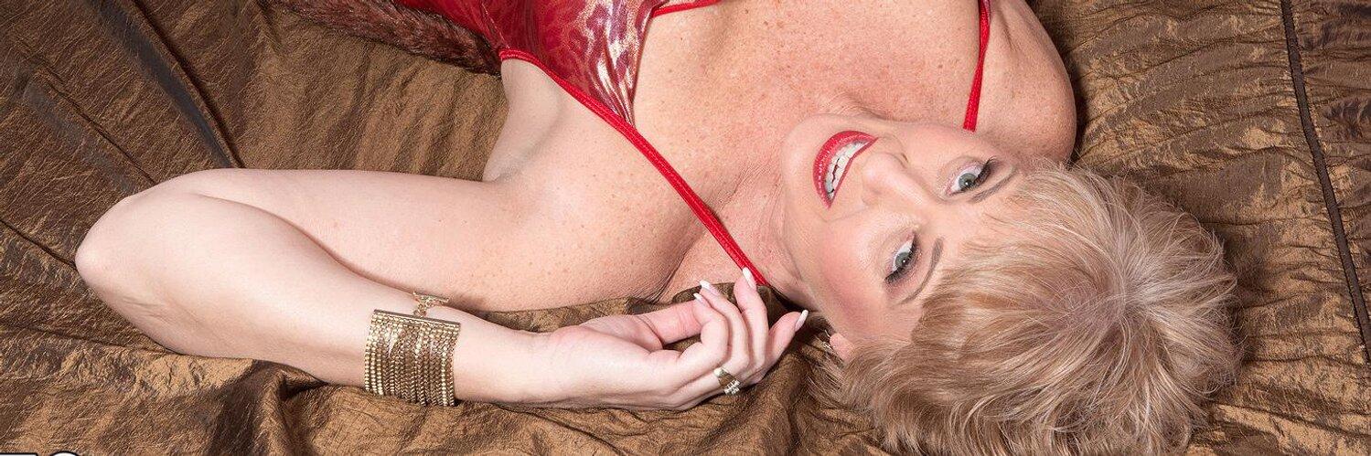 NEW UPDATE ON MY WEBSITE MyHottieWife.com Hot #threesome #anal #goldenshowers #asslicking #MatureSwingers https://t.co/pNEki65g3L