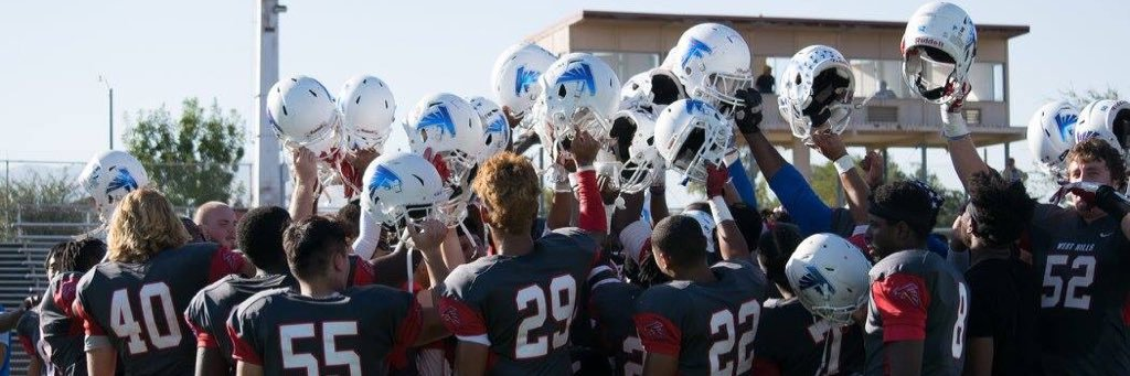 Great article about our football program! Thank you to the college for wanting to publish a piece about our footbal… https://t.co/CkWhmN6fnm