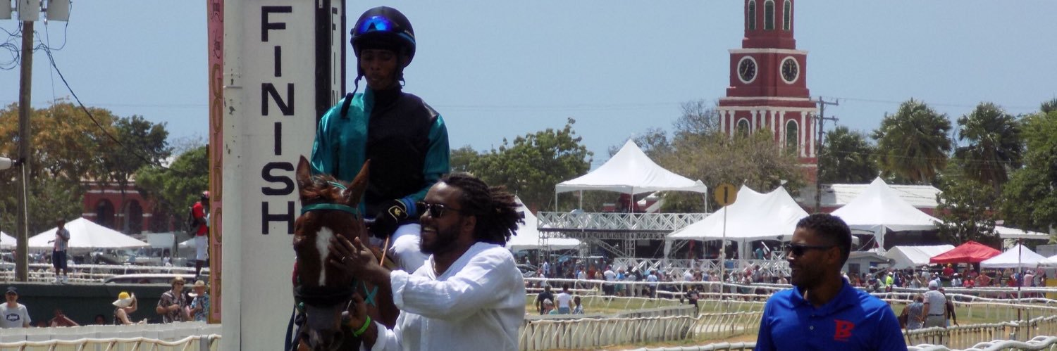 #HorseRacing twitter, I present to you: Jamaican horse racing fans! Ingenuity and creativity at its best!!! I love… https://t.co/rTPhKwUyEd