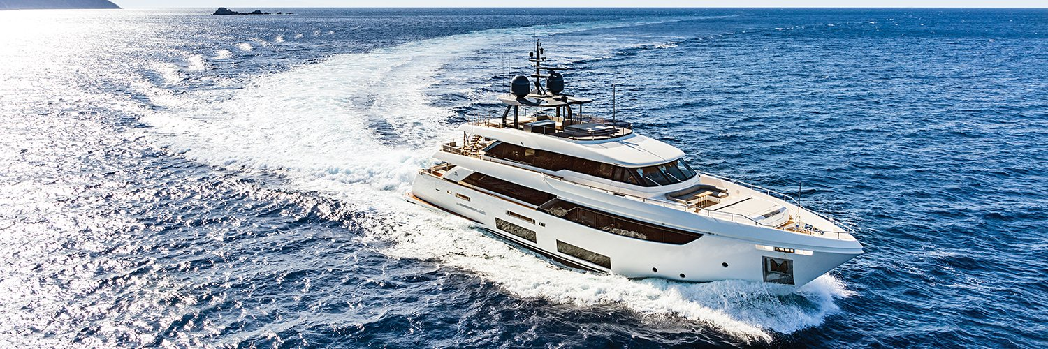 "Yachting Magazine on Twitter: ""#MonteCarloYachts is adding to its midsize model range with the 43-foot MC4. http://t.co/u0rDe8xLzI #yachts http://t.co/gESWLv3flV"""