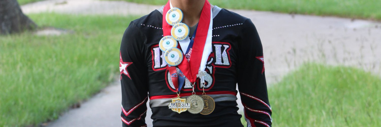 NAVARRO CHEER🐶•WE BLACK OPS ALUMNI 16-19•Cheetahs 19-20•🥉2018 Bronze World Champion🥈2019 Silver world champion🏅2019 NCA champion•snap~cheer2323