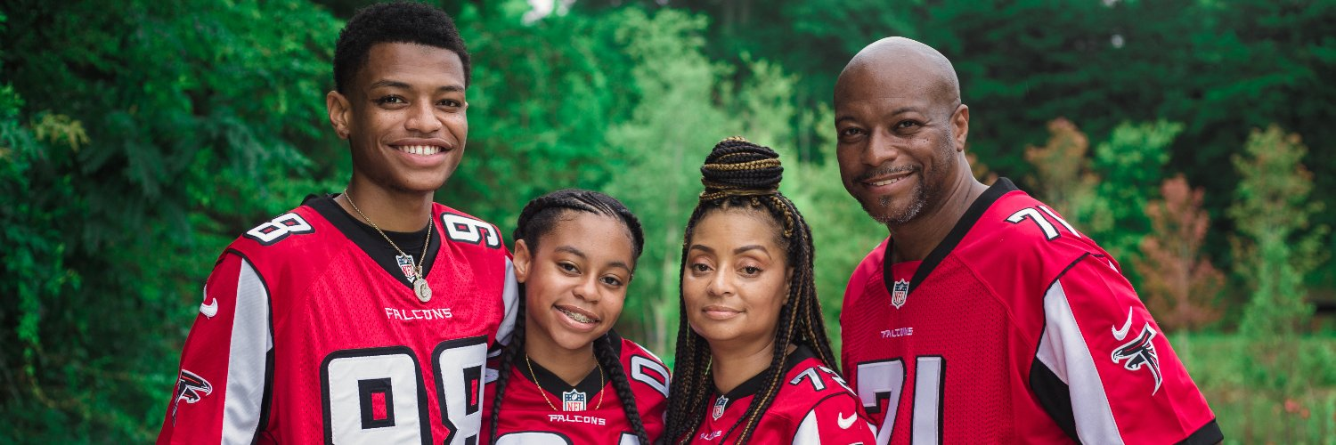 A hometeam fan (@Atlanta_Falcons, @Braves, @ATLHawks) Husband, father, uncle, & goddad. Love to cook, fish, hang w/family & friends. IG:the_birdwatcher_71