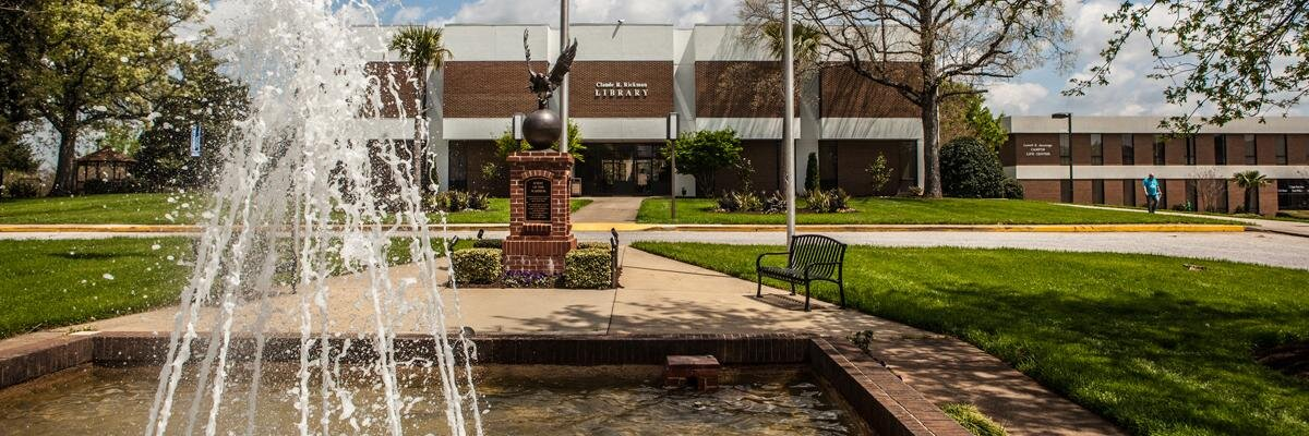 Southern Wesleyan University's official Twitter account