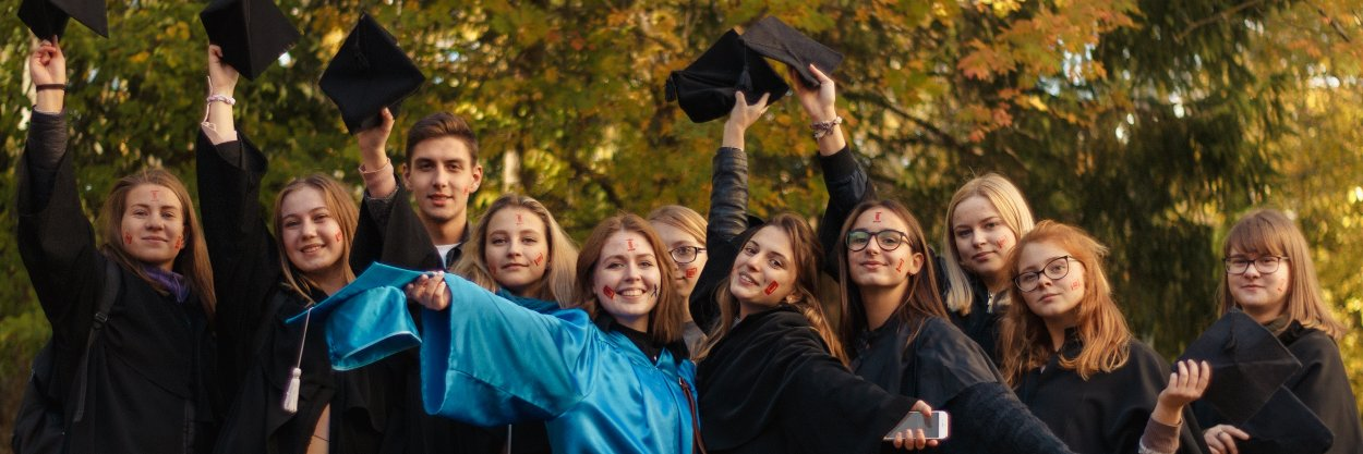 Dubna State University's official Twitter account