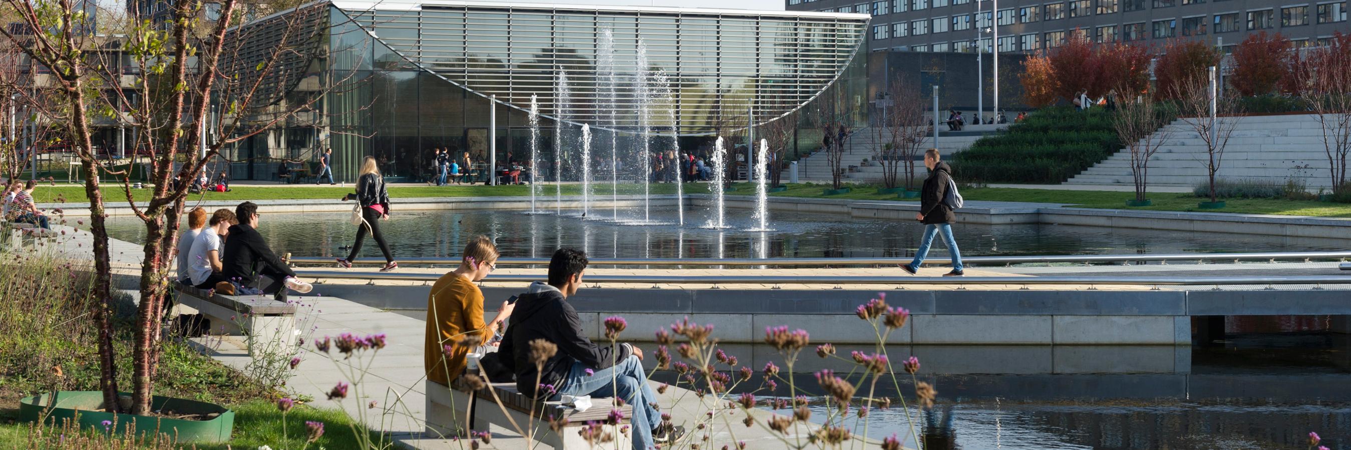 Erasmus Universiteit Rotterdam's official Twitter account
