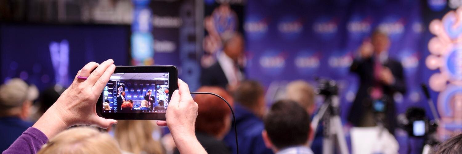 I am still blown away and #honored to be able to attend this @NASASocial we were able to livestream this historic event into 33 Central Pa classrooms providing a chance for kids to speak with program experts. Congrats #SpaceX #demo1 #DM1 #NASA on your #Emmy twitter.com/JimBridenstine…