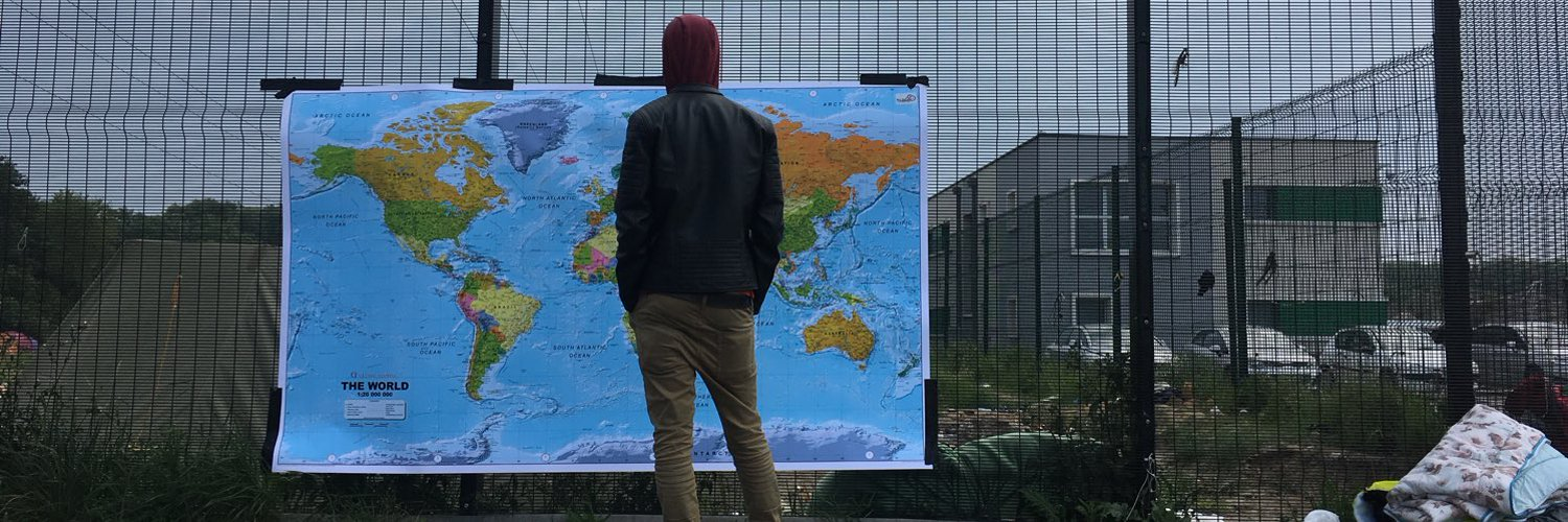 Supporting people displaced by conflict, persecution and poverty through #psychosocial #art & #arttherapy. Current projects in Bristol/London/Calais/Paris