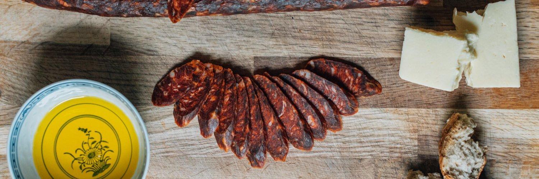 100kg of multi #award winning #wild #venison salami made before 9am. Love this stuff! #thatshowitsdone… https://t.co/XO5ywwa87M