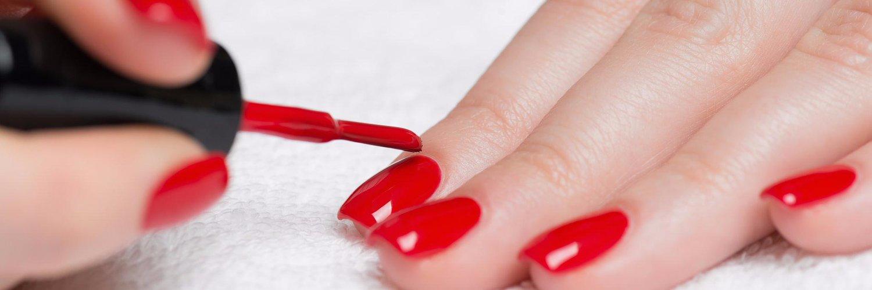 Почему гель на ногтях трескается