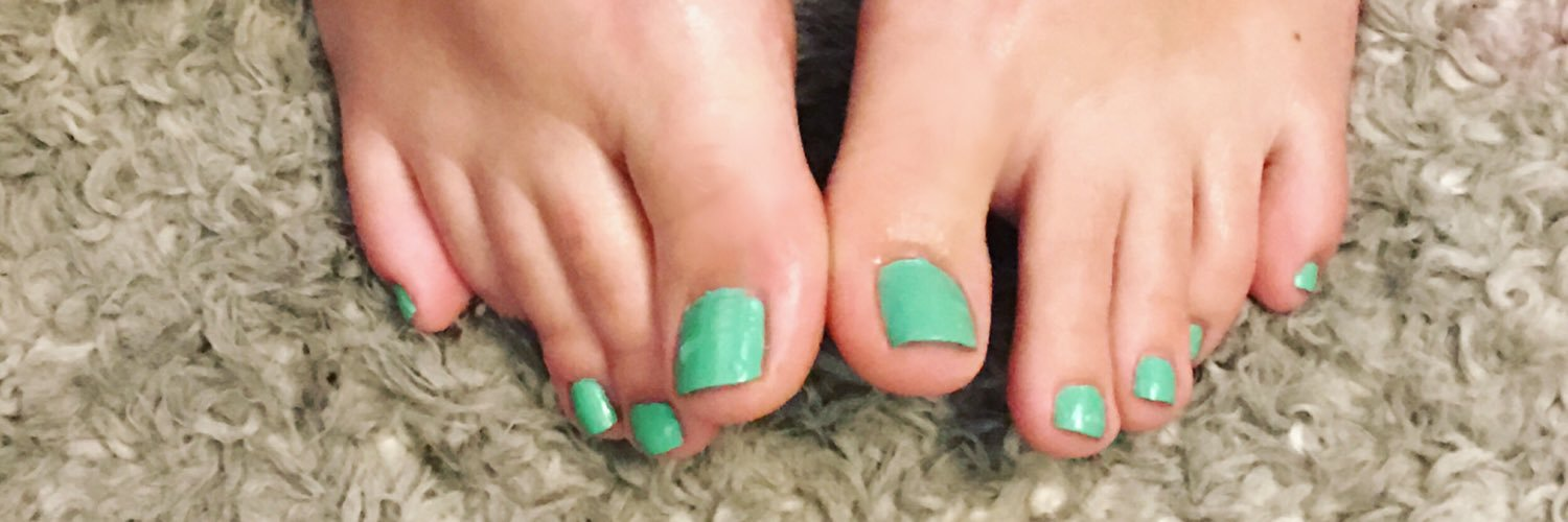 Taylor Toes on Twitter: 1 Month SEXY FEET SNAPCHAT