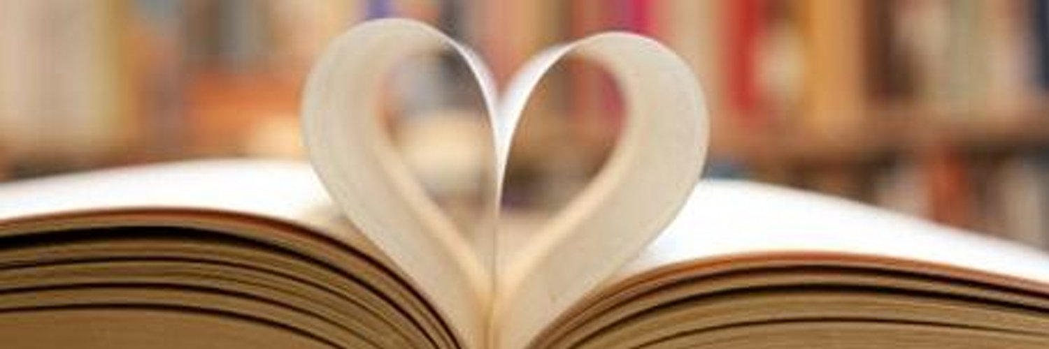 Book lovin', wanna be writer, principal passionate about making a difference #momsasprincipals musingstomotivate.blogspot.com