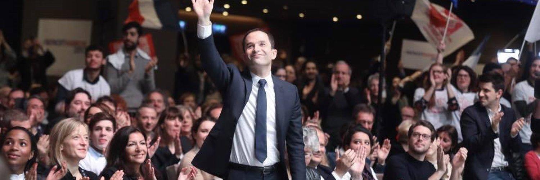 Nucléaire : 50% d'énergies propres, accompagner la sortie du nucléaire #LeGrandDebat #HamonDebat #Hamon2017 #TF1 https://t.co/23F3lfLe8v