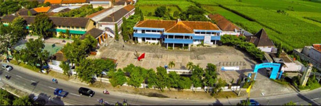 Universitas Tulungagung's official Twitter account