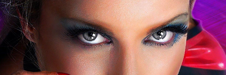 Nikki Whiplash (@nikkiwhiplash) on Twitter banner 2009-11-11 13:38:52