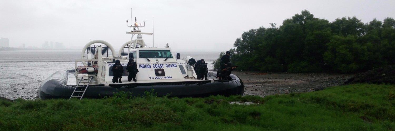 Raksha Mantri Shri Rajnath Singh commissions Indian Coast Guard Ship 'Varaha'; To further strengthen coastal security pib.gov.in/PressReleasePa… @RajnathSingh_in @rajnathsingh @DefenceMinIndia @PIB_India @PIBHindi @IAF_MCC @indiannavy @IndiaCoastGuard