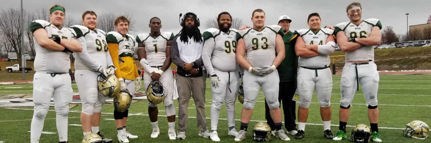 I cheated on my fears,I broke up with my doubts,got engaged with my faith,now I'm marrying my dreams Missouri S&T Football 🏈⛏⛏ Defensive End 🦍🦍😈
