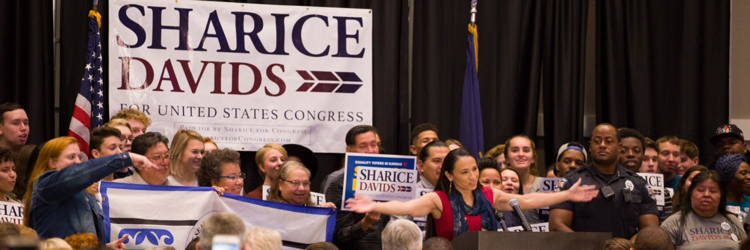 Putting Kansans first and fighting for opportunity, because everyone deserves a shot at success. Proud to represent #KS03 in the US Congress.