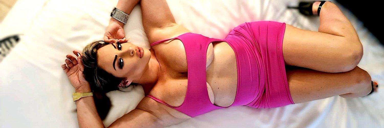 Victoria Summers 🔞 (@x_summers) on Twitter banner 2012-12-03 19:03:41